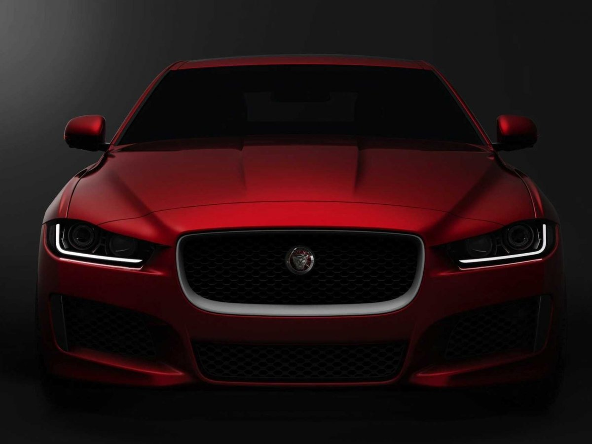 Обзор Jaguar XE