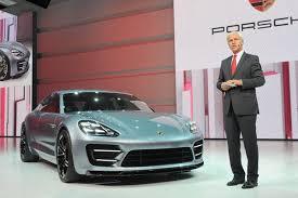 Дизайнер Porsche уехал из Германии